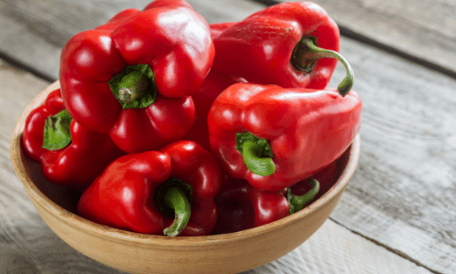 Picture of red bell peppers. Kidney superfoods.